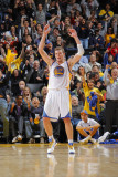 Phoenix Suns v Golden State Warriors: David Lee Photographic Print by Rocky Widner