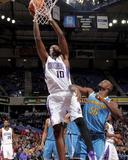 New Orleans Hornets v Sacramento Kings: Samuel Dalembert Fotografisk trykk av Rocky Widner