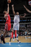Houston Rockets v Dallas Mavericks: Caron Butler and Shane Battier Photographic Print by Glenn James