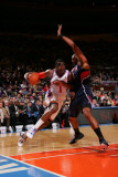 Atlanta Hawks v New York Knicks: Al Horford and Amar&#39;e Stoudemire Photographic Print by Jeyhoun Allebaugh