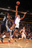 Memphis Grizzlies v Phoenix Suns: Jared Dudley Photographic Print by Barry Gossage