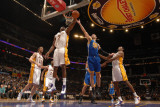 Golden State Warriors v Los Angeles Lakers: Lamar Odom and Vladimir Radmanovic Photographic Print by Noah Graham