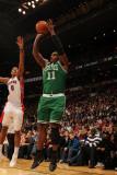 Boston Celtics v Toronto Raptors: Glen Davis and DeMar DeRozan Photographic Print by Ron Turenne