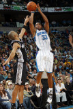 San Antonio Spurs v New Orleans Hornets: Willie Green and Tony Parker Photographic Print by Layne Murdoch