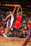 Chicago Bulls v Phoenix Suns: Derrick Rose and Grant Hill Photographic Print by Barry Gossage