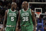 Boston Celtics v Cleveland Cavaliers: Kevin Garnett and Shaquille O'Neal Photographic Print by David Liam Kyle