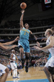 New Orleans Hornets v Dallas Mavericks: Chris Paul Fotografisk tryk af Glenn James