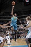 New Orleans Hornets v Dallas Mavericks: Chris Paul Fotografisk tryk af Glenn James