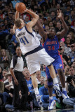 Detroit Pistons v Dallas Mavericks: Dirk Nowitzki and Jason Maxiell Photographic Print by Glenn James