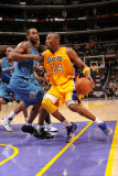 Washington Wizards v Los Angeles Lakers: Kobe Bryant and Hilton Armstrong Photographic Print by Andrew Bernstein