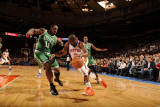 Boston Celtics v New York Knicks: Raymond Felton and Glen Davis Photographic Print by Lou Capozzola
