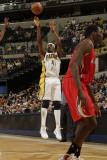 Los Angeles Clippers v Indiana Pacers: James Posey Fotografisk tryk af Ron Hoskins