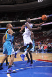 New Orleans Hornets v Philadelphia 76ers: Jrue Holiday and David West Fotografie-Druck von David Dow