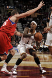 Philadelphia 76ers v Cleveland Cavaliers: Daniel Gibson and Darius Songaila Photographic Print by David Liam Kyle