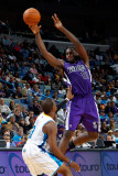 Sacramento Kings v New Orleans Hornets: Tyreke Evans and Chris Paul Photographic Print by Chris Graythen