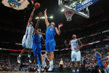 Dallas Mavericks v New Orleans Hornets: Willie Green, Brendan Haywood and Dirk Nowitzki Photographic Print by Chris Graythen
