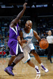 Sacramento Kings v New Orleans Hornets: Jarrett Jack and Eugene Jeter Photographic Print by Chris Graythen