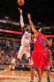 Los Angeles Clippers v Phoenix Suns: Hakim Warrick and Brian Cook Photographic Print by Barry Gossage
