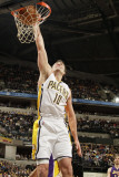 Los Angeles Lakers v Indiana Pacers: Jeff Foster Photographic Print by Ron Hoskins