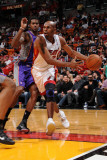 Phoenix Suns v Miami Heat: Jerry Stackhouse Fotografisk tryk af Andrew Bernstein