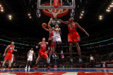 New Jersey Nets v Los Angeles Clippers: Eric Gordon, Kris Humphries and Travis Outlaw Photographic Print by Noah Graham