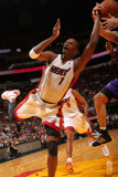 Phoenix Suns v Miami Heat: Chris Bosh Photographic Print by Victor Baldizon