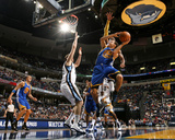 Golden State Warriors v Memphis Grizzlies: Stephen Curry, O.J. Mayo and Marc Gasol Photographic Print by Joe Murphy