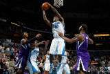 Sacramento Kings v New Orleans Hornets: Emeka Okafor and DeMarcus Cousins Photographic Print by Chris Graythen