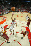 Cleveland Cavaliers v Houston Rockets: Shane Battier and Leon Powe Photographic Print by Bill Baptist