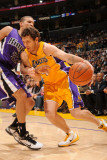 Sacramento Kings v Los Angeles Lakers: Luke Walton and Francisco Garcia Photographic Print by Noah Graham