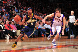 Indiana Pacers v Phoenix Suns: Goran Dragic and T.J. Ford Photographic Print by P.A. Molumby