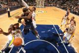 Atlanta Hawks v Indiana Pacers: Josh Smith, James Posey and Roy Hibbert Fotografisk tryk af Ron Hoskins