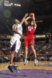 New Jersey Nets v Sacramento Kings: Kris Humphries and Carl Landry Photographic Print by Don Smith