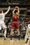 Cleveland Cavaliers v Indiana Pacers: Anthony Parker and Mike Dunleavy Fotografisk tryk af Ron Hoskins
