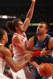 Minnesota Timberwolves v Chicago Bulls: Nikola Pekovic, Joakim Noah and Derrick Rose Photographic Print by Ray Amati