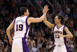Denver Nuggets v Phoenix Suns: Steve Nash and Hedo Turkoglu Photographic Print by Christian Petersen