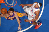 Los Angeles Lakers v Los Angeles Clippers: Luke Walton and Ryan Gomes Photographie par Noah Graham