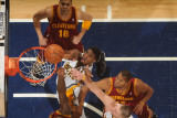 Cleveland Cavaliers v Indiana Pacers: Roy Hibbert, Joey Graham and Anthony Parker Fotografisk tryk af Ron Hoskins