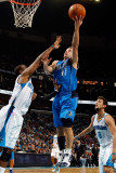 Dallas Mavericks v New Orleans Hornets: Jose Barea and Chris Paul Lmina fotogrfica por Chris Graythen