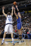 Golden State Warriors v Dallas Mavericks: David Lee and Dirk Nowitzki Photographic Print by Danny Bollinger