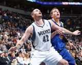 Golden State Warriors v Minnesota Timberwolves: Kevin Love and David Lee Photographic Print by David Sherman