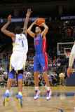 Detroit Pistons v Golden State Warriors: Tayshaun Prince and Dorell Wright Fotografisk tryk af Rocky Widner
