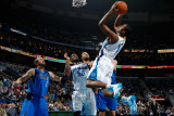 Dallas Mavericks v New Orleans Hornets: Trevor Ariza Photographic Print by Chris Graythen