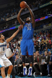 Dallas Mavericks v New Orleans Hornets: DeShawn Stevenson and Marco Belinelli Photographic Print by Layne Murdoch