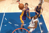 Los Angeles Lakers v Los Angeles Clippers: Luke Walton and DeAndre Jordan Photographie par Noah Graham