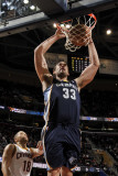 Memphis Grizzlies v Cleveland Cavaliers: Marc Gasol and Anthony Parker Fotografisk tryk af David Liam Kyle