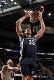 Memphis Grizzlies v Cleveland Cavaliers: Marc Gasol and Anthony Parker Fotografisk tryk af David Liam Kyle