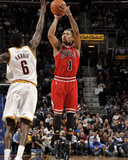 Chicago Bulls v Cleveland Cavaliers: Derrick Rose and Manny Harris Photographic Print by David Liam Kyle