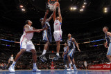 Memphis Grizzlies v Los Angeles Clippers: Brian Cook and Zach Randolph Photographic Print by Noah Graham