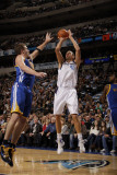 Golden State Warriors v Dallas Mavericks: Dirk Nowitzki and David Lee Photographic Print by Danny Bollinger
